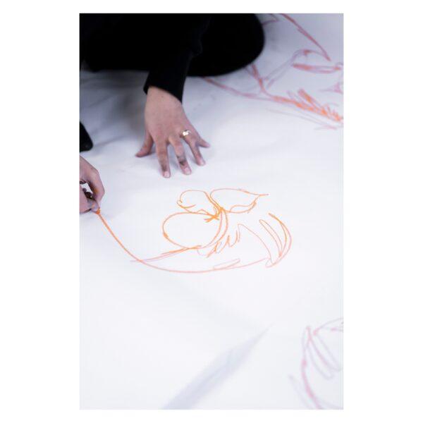 Anna beim Zeichnen